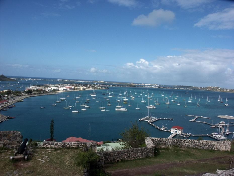 La marina vue depuis le Fort Louis